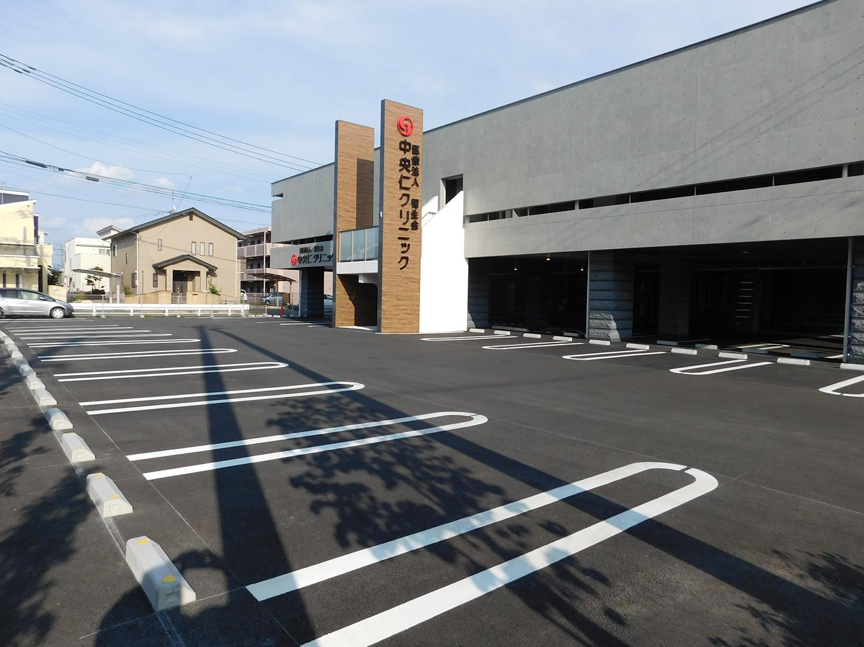 駐車場(42台)